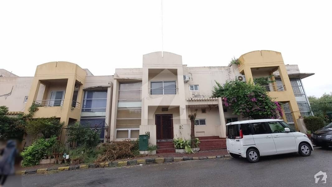Single Unit House Is Available For Sale In A Block