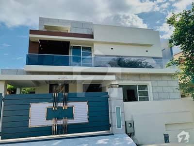 ڈی ایچ اے ڈیفینس فیز 2 ڈی ایچ اے ڈیفینس اسلام آباد میں 6 کمروں کا 1 کنال مکان 5.7 کروڑ میں برائے فروخت۔