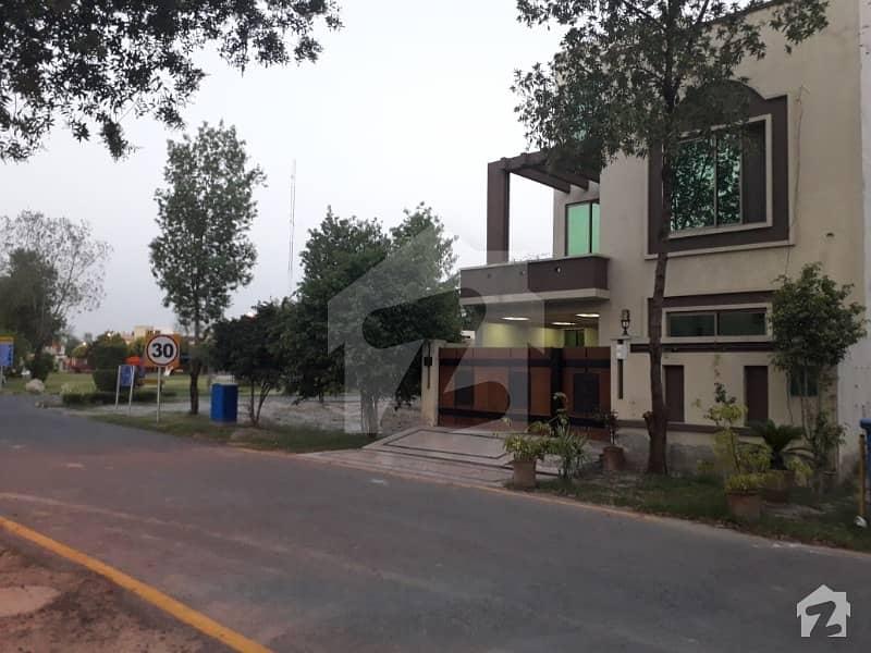 بحریہ نشیمن ۔ سن فلاور بحریہ نشیمن لاہور میں 3 کمروں کا 5 مرلہ مکان 90 لاکھ میں برائے فروخت۔