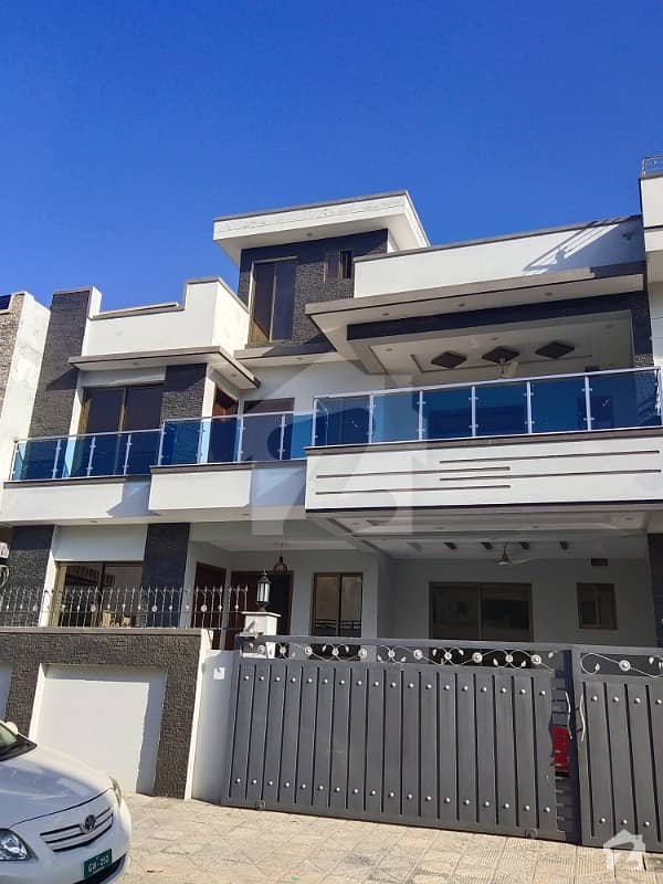 Brand New Luxury Triple Storey House For Sale With 9 Beds Near Markaz
