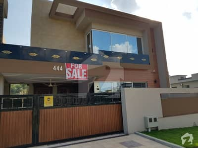 10 Marla Brnad New House For Sale