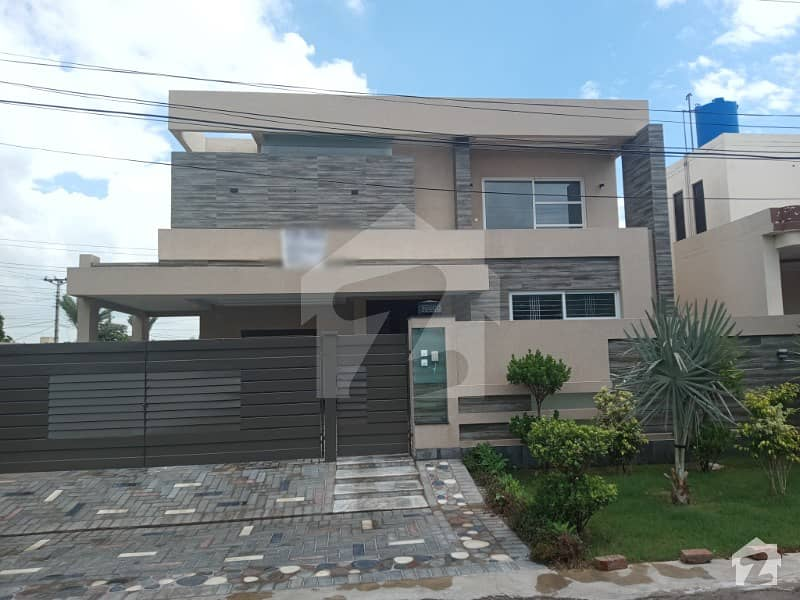 20 Marla Brand New Beautiful House For Sale In State Life Society All Facility Available
