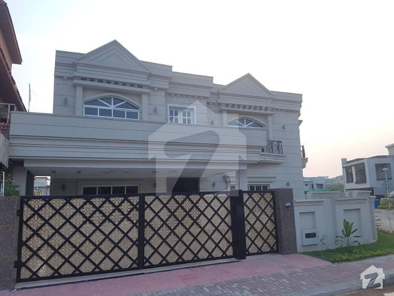 1.1 Kanal Corner Brand New House For Sale