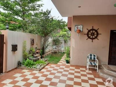 نیول ہاؤسنگ سکیم کراچی میں 5 کمروں کا 14 مرلہ مکان 11 کروڑ میں برائے فروخت۔