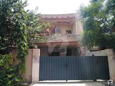 Perfect 1 Kanal House In Canal View For Rent