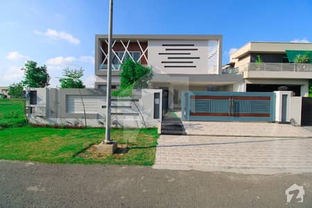 One Kanal Slightly Used Lush A Fully Basement House For Rent In Dha Phase 6 Lahore