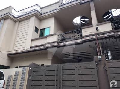 کشمیر روڈ سیالکوٹ میں 4 کمروں کا 6 مرلہ مکان 1.5 کروڑ میں برائے فروخت۔