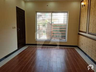 واپڈا ٹاؤن فیز 1 - بلاک کے1 واپڈا ٹاؤن فیز 1 واپڈا ٹاؤن لاہور میں 7 کمروں کا 1 کنال مکان 3.65 کروڑ میں برائے فروخت۔