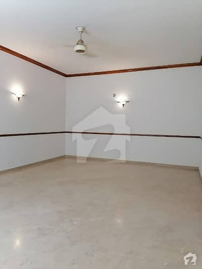 25 Marla Corner House For Sale In Cavalry Ground Lahore