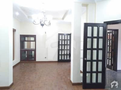 Ten Marla House Available For Rent In Dha Lahore