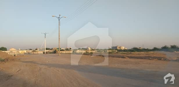Sachal Sarmest Society 120  Yard Confirm Plot Available By Legal Estate