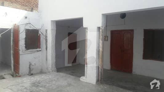 پی اے ایف روڈ سرگودھا میں 4 کمروں کا 5 مرلہ مکان 11 ہزار میں کرایہ پر دستیاب ہے۔