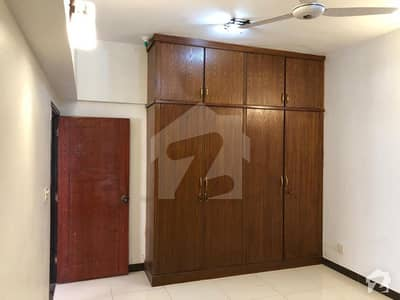 1000  Square Feet Flat In Central Khayaban-E-Ittehad Road For Sale