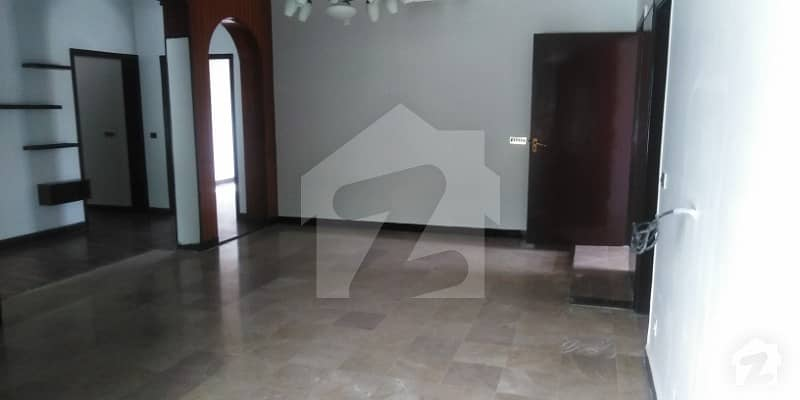 1 Kanal Upper Portion For Rent In Dha Phase 4