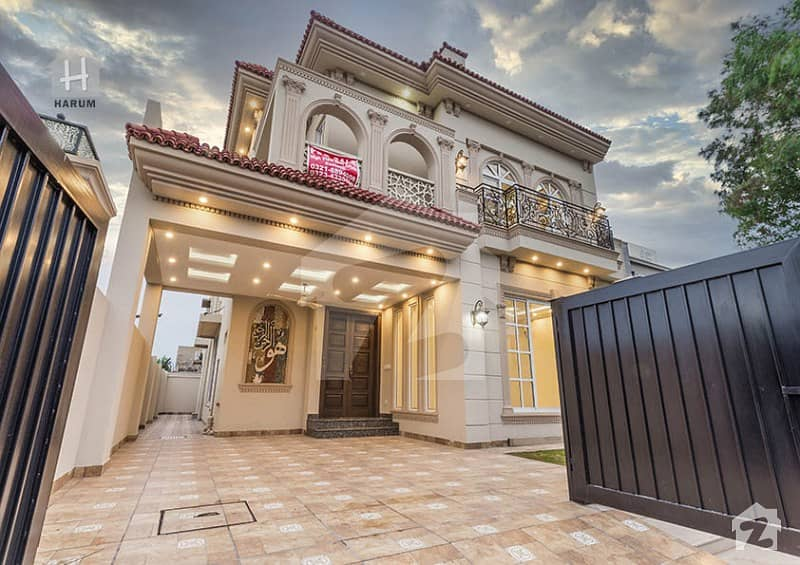 10 Marla Spanish Brand New Villa Available In Phase 6