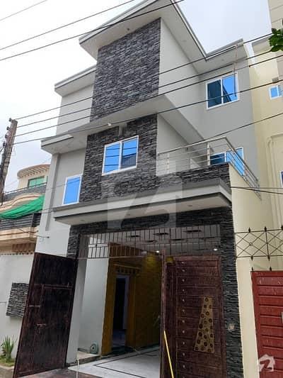 ورسک روڈ پشاور میں 5 کمروں کا 4 مرلہ مکان 1.5 کروڑ میں برائے فروخت۔