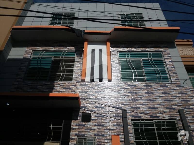ارباب سبز علی خان ٹاؤن ورسک روڈ پشاور میں 6 کمروں کا 3 مرلہ مکان 87 لاکھ میں برائے فروخت۔