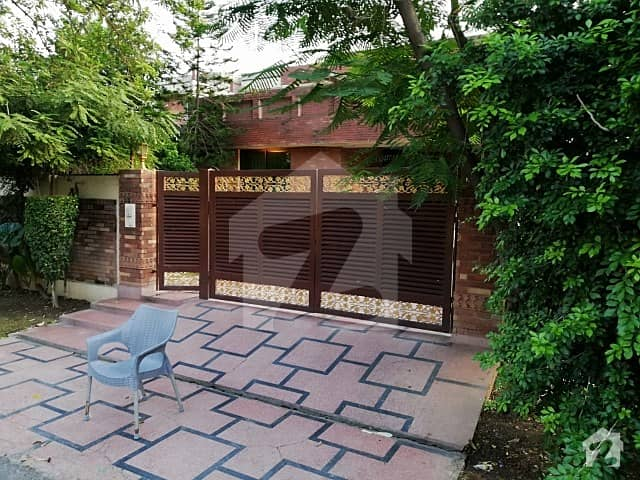 Dha Phase 2 1 Kanal Old House For Sale Good Location