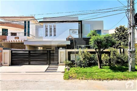 Brand New Kanal House For Sale On Back Of Main Road