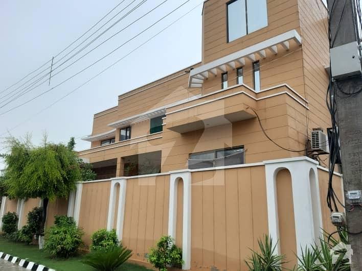 ارباب سبز علی خان ٹاؤن ایگزیکٹو لاجز ارباب سبز علی خان ٹاؤن ورسک روڈ پشاور میں 1 کنال مکان 3.8 کروڑ میں برائے فروخت۔