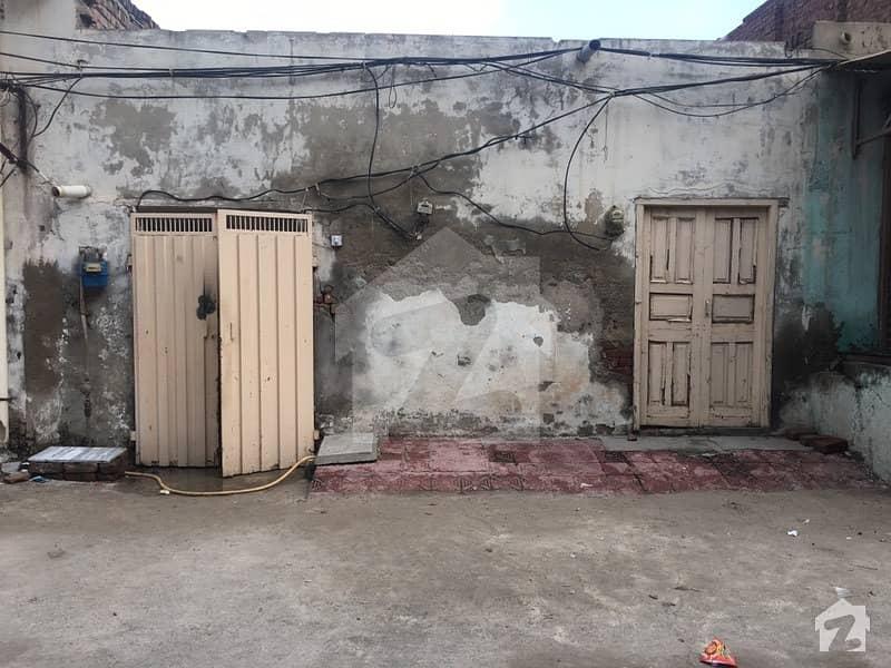 نشاط آباد فیصل آباد میں 4 کمروں کا 6 مرلہ مکان 38 لاکھ میں برائے فروخت۔