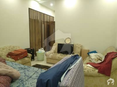 One Kanal Upper Portion Separate Gate For Rent In Dha Lahore