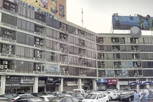 کلفٹن ۔ بلاک 8 کلفٹن کراچی میں 3 مرلہ دکان 8 کروڑ میں برائے فروخت۔