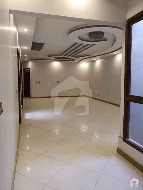 گلستانِِ جوہر ۔ بلاک 3 گلستانِ جوہر کراچی میں 6 کمروں کا 11 مرلہ مکان 3.9 کروڑ میں برائے فروخت۔