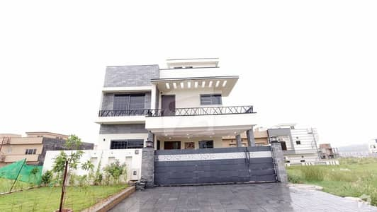 Brand New Single Unit Park Face House Is Availale For Sale