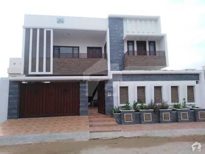 ریونیو ہاؤسنگ سوسائٹی قاسم آباد حیدر آباد میں 7 کمروں کا 16 مرلہ مکان 4.5 کروڑ میں برائے فروخت۔