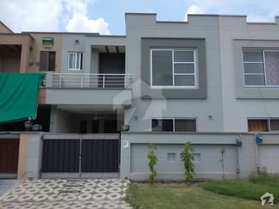 Green City House For Sale Sized 5 Marla