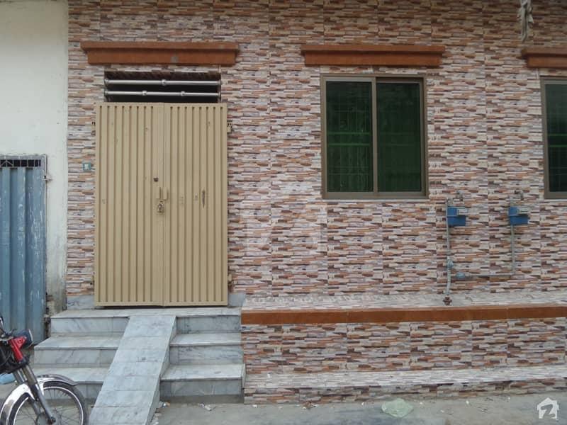 خان کالونی روڈ اوکاڑہ میں 2 کمروں کا 3 مرلہ مکان 35 لاکھ میں برائے فروخت۔