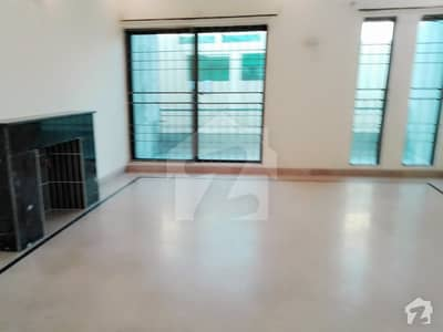1 Kanal Gorgeous Upper Portion Available For Rent Dha Phase 4 Block Cc