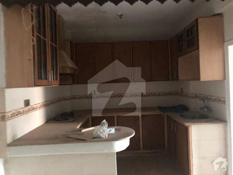 آٹو بھن روڈ حیدر آباد میں 2 کمروں کا 4 مرلہ فلیٹ 60 لاکھ میں برائے فروخت۔