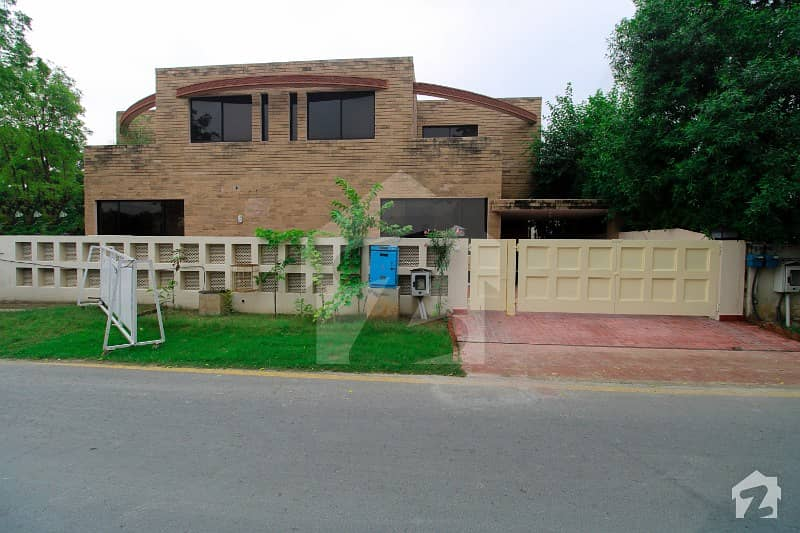 10 Marla Fully Renovated Basement House For  Rent In Dha Phase 2