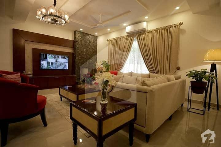 عبداللہ گارڈنز ایسٹ کینال روڈ کینال روڈ فیصل آباد میں 7 کمروں کا 1 کنال مکان 7 کروڑ میں برائے فروخت۔