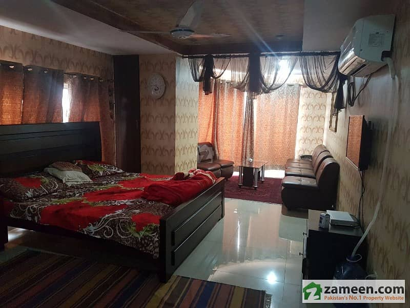 Luxuries Brand New Wide Corner One Bed Apartment For Sale