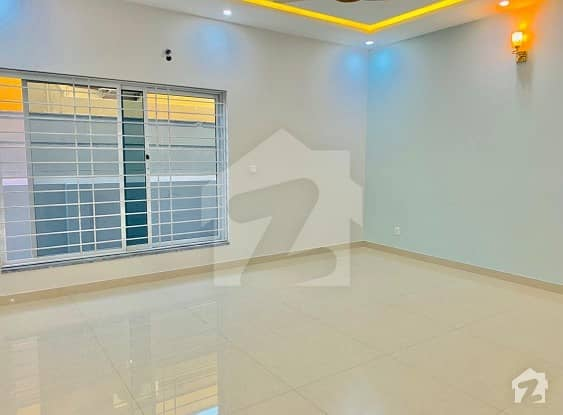 Separate Gate Luxurious 1 Kanal Brand New 2 bedroom Portion For Rent