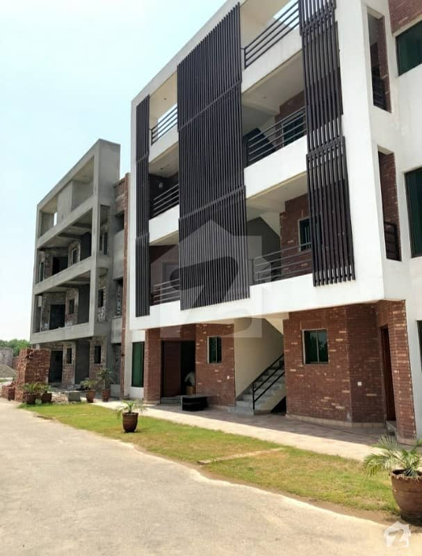 1000 Sq Feet Ground Floor Flat Available For Sale