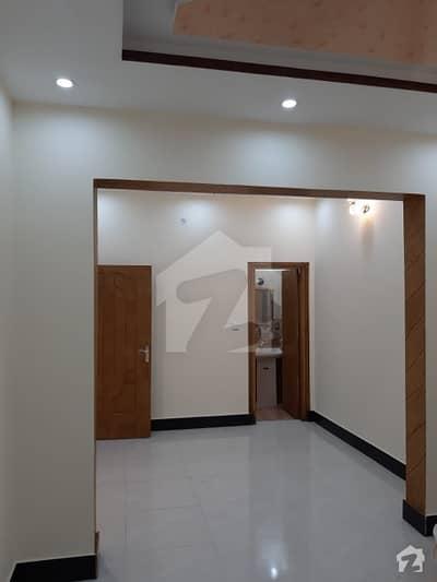 کشمیر روڈ سیالکوٹ میں 5 کمروں کا 8 مرلہ مکان 1.5 کروڑ میں برائے فروخت۔