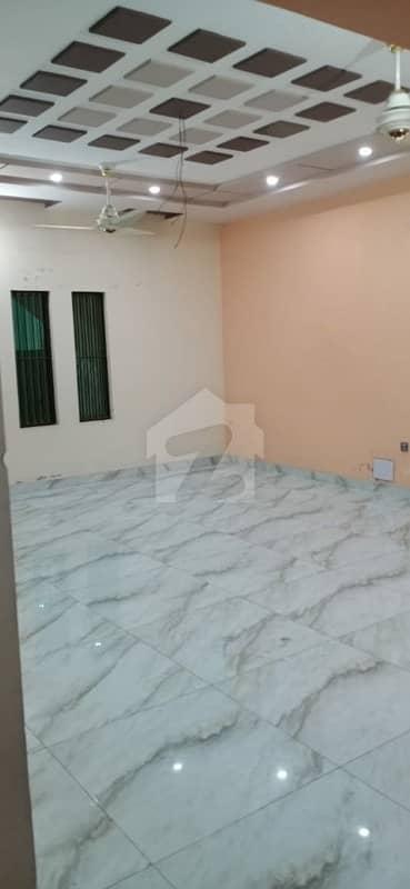 ایڈن ایگزیکیٹو ایڈن گارڈنز فیصل آباد میں 4 کمروں کا 7 مرلہ مکان 55 ہزار میں کرایہ پر دستیاب ہے۔