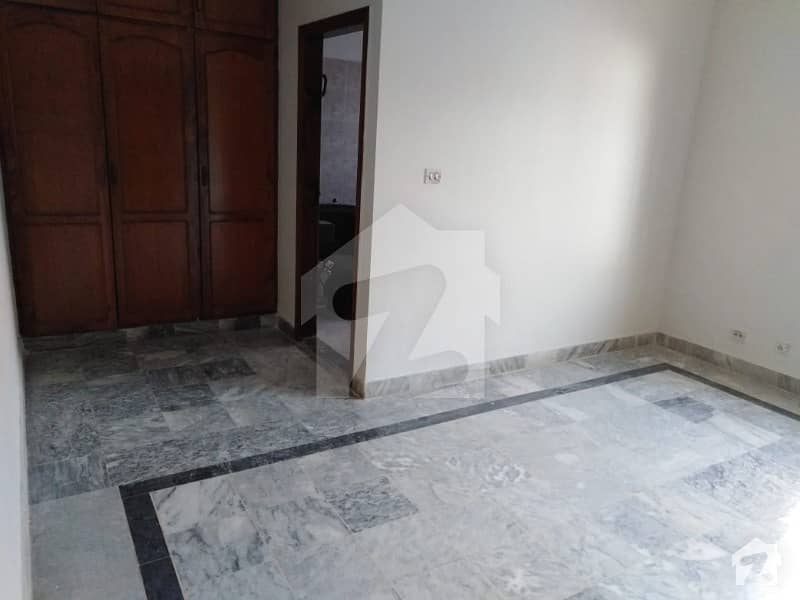 Beautiful 3 Bedrooms Upper Portion For Rent In F11 Islamabad