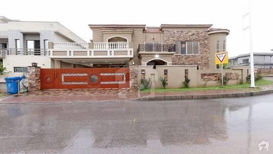بحریہ ٹاؤن فیز 8 ۔ سفاری ویلی بحریہ ٹاؤن فیز 8 بحریہ ٹاؤن راولپنڈی راولپنڈی میں 9 کمروں کا 2.05 کنال مکان 6.5 کروڑ میں برائے فروخت۔