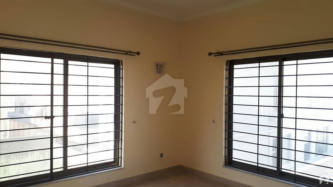 D-12 House For Sale Sized 4 Marla
