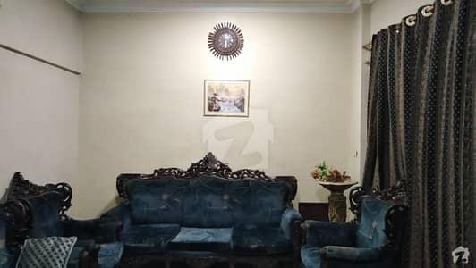 گلشنِ اقبال - بلاک 13 اے گلشنِ اقبال گلشنِ اقبال ٹاؤن کراچی میں 3 کمروں کا 6 مرلہ فلیٹ 90 لاکھ میں برائے فروخت۔