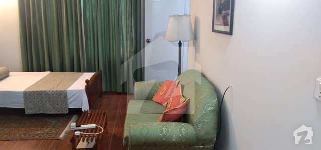 ڈی ایچ اے فیز 2 ڈیفنس (ڈی ایچ اے) لاہور میں 1 کمرے کا 10 مرلہ کمرہ 30 ہزار میں کرایہ پر دستیاب ہے۔