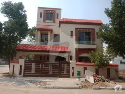 12 Marla Beautiful House For Rent In Overseas B Block  Bahria Town Lahore