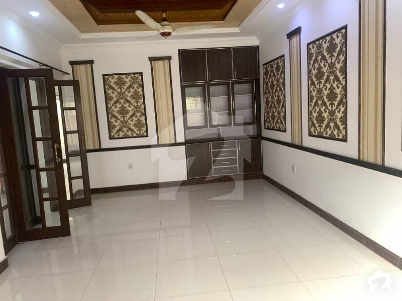 10 Marla Lower Portion For Rent In A Block Of PCSIR Housing Scheme Phase 1 Lahore