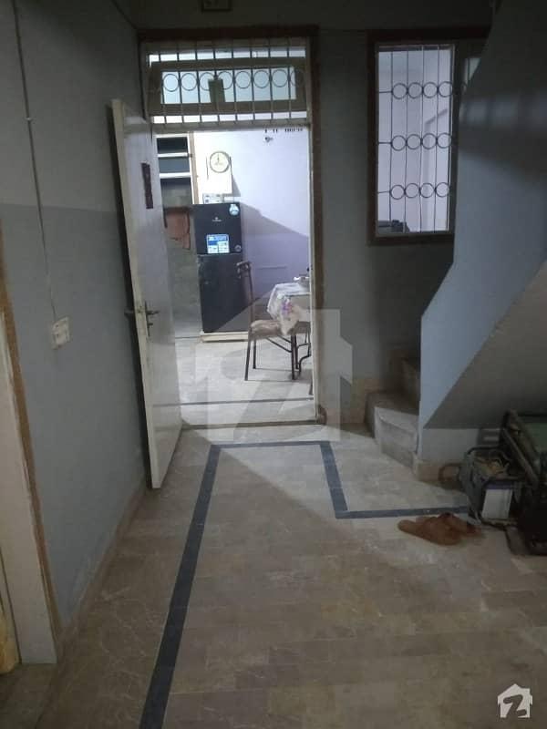 اندہ موڑ روڈ کراچی میں 5 کمروں کا 3 مرلہ مکان 1 کروڑ میں برائے فروخت۔
