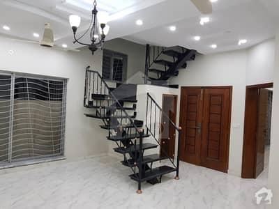 اسٹیٹ لائف فیز 1 - بلاک اے اسٹیٹ لائف ہاؤسنگ فیز 1 اسٹیٹ لائف ہاؤسنگ سوسائٹی لاہور میں 1 کمرے کا 10 مرلہ کمرہ 13 ہزار میں کرایہ پر دستیاب ہے۔